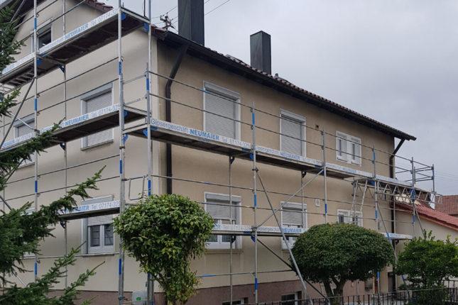 Fassadengerüst für Wohnhaus