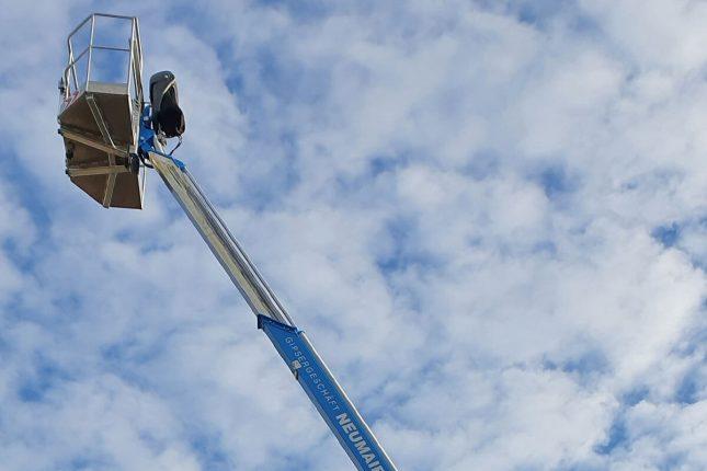 Firmeneigene Raupenbühne - max. 15m Arbeitshöhe